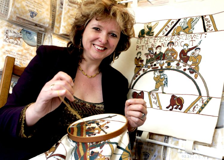 Des stages de broderie sur lin sont proposés aux amateurs d'art et d'histoire - Photo Bayeux broderie